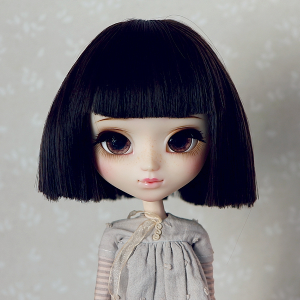 9-10 Short straight Wig - Soft Black