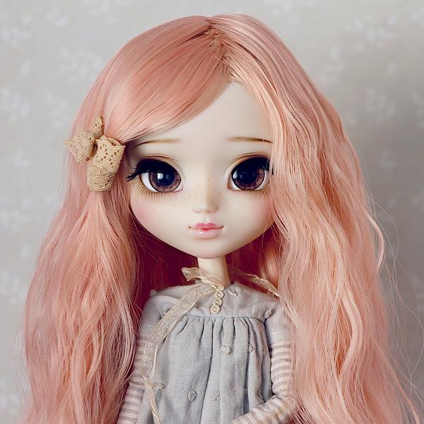 9-10 Medium waved Wig without Bangs - Milky Pink