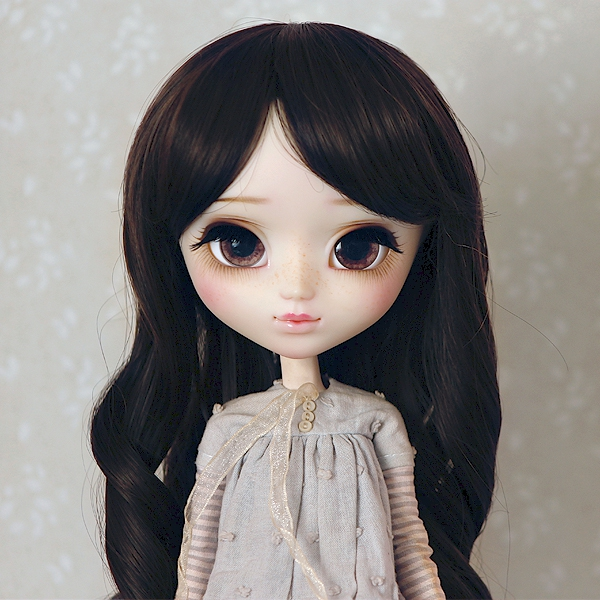 9-10 Medium curled Wig - Soft Black
