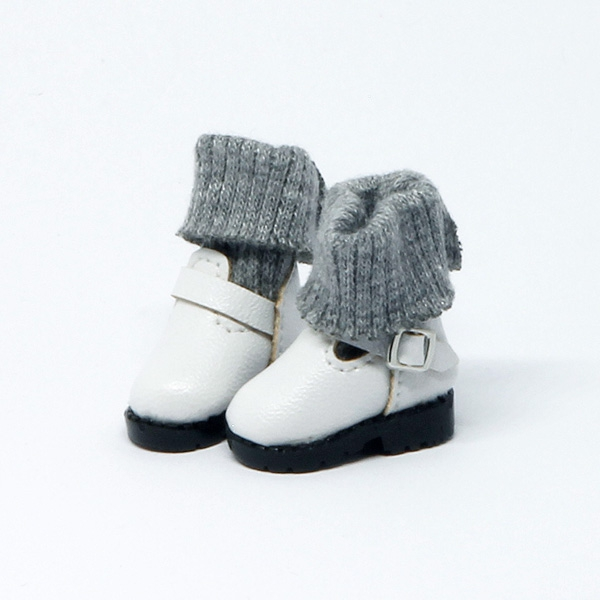 White Boots with socks