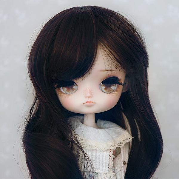 8-9 Medium curled Wig - Soft Black