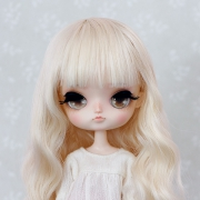 8-9 Medium wavy Wig - Milky Blond