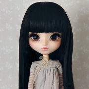 9-10 Medium Wig with short strand - Soft Black