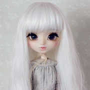 9-10 Long waved Wig - White
