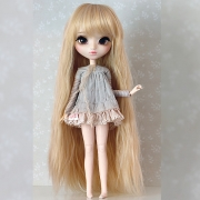 9-10 Long waved Wig - Mix Blond