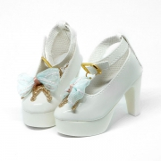 Weiße High-Heels mit Krone