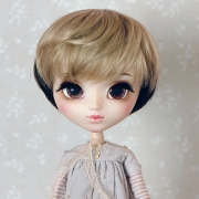 9-10 short wavy two-colored wig - Cream Black