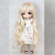 8-9 Medium curled Wig - Soft Blond