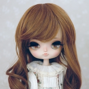 8-9 Medium curled Wig - Sienna
