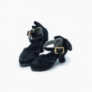 Black delicate Pumps with ribbons